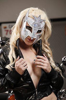 Luchadoras - The Dark Angel Sarita Sexi-star